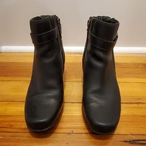 Clark's Artisan Leather Ankle Boots 7M